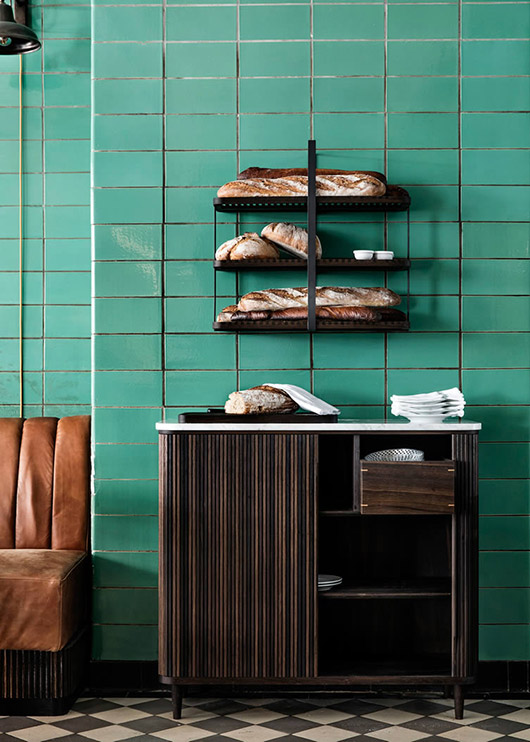 Les Trois Cochons - via Coco Lapine Design blog