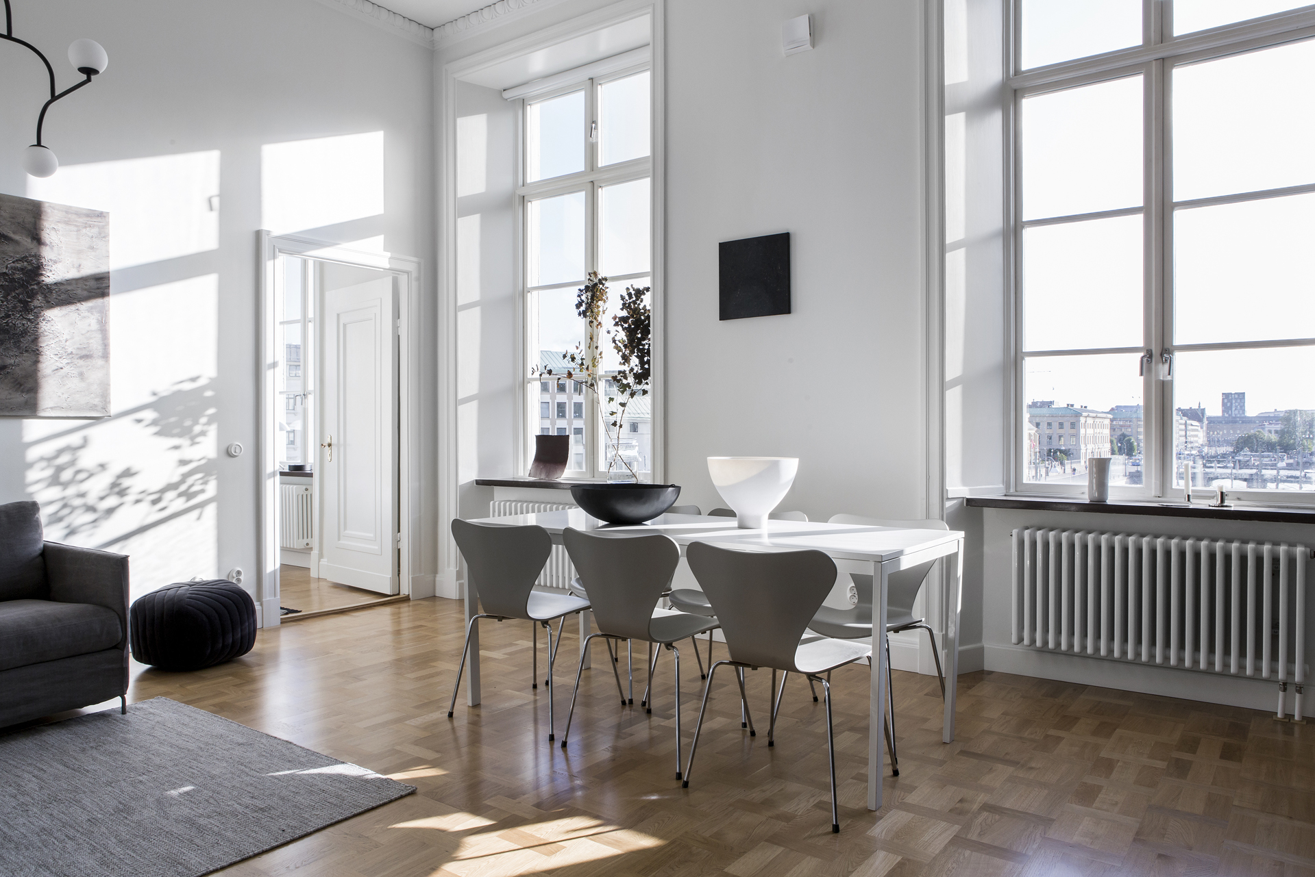 Light flooded home with a dark kitchen - COCO LAPINE DESIGNCOCO ...
