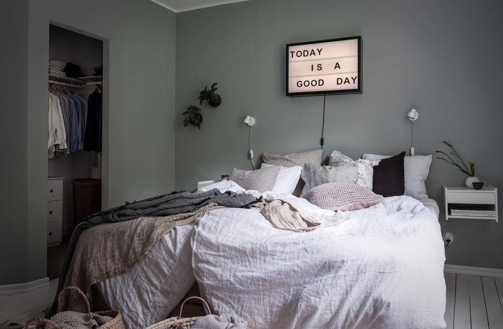 Cozy and inviting home - via Coco Lapine Design blog--1423499110-rszww1170-80