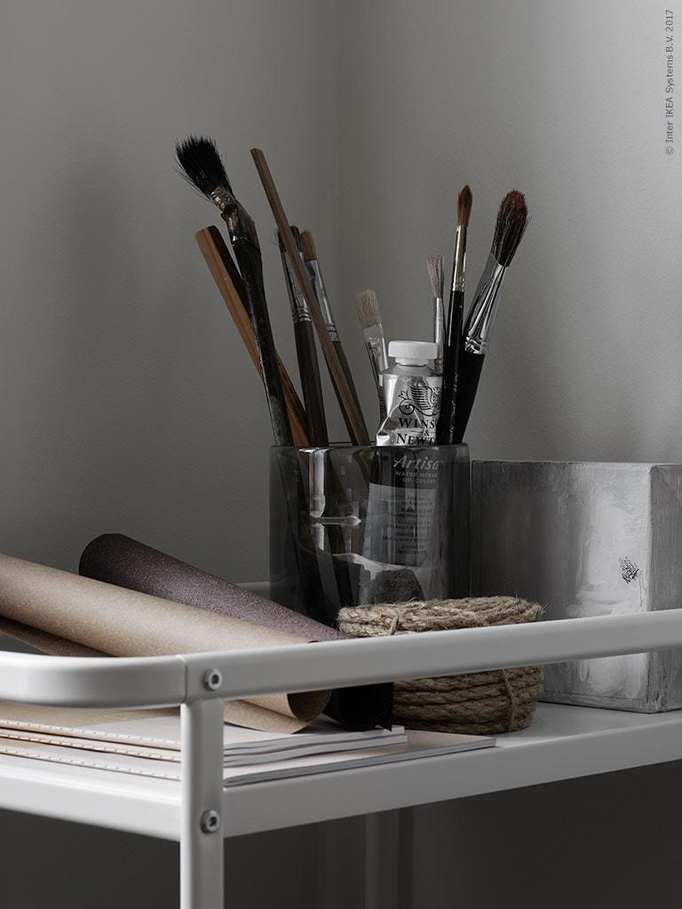 Small office look - via Coco Lapine Design blog