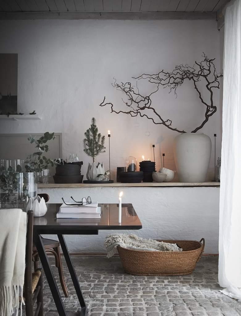 Daniella Witte's Christmas office - via Coco Lapine Design blog