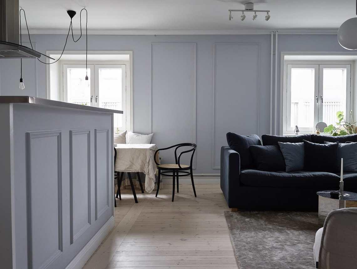 Elegant home in blue-grey - via Coco Lapine Design blog