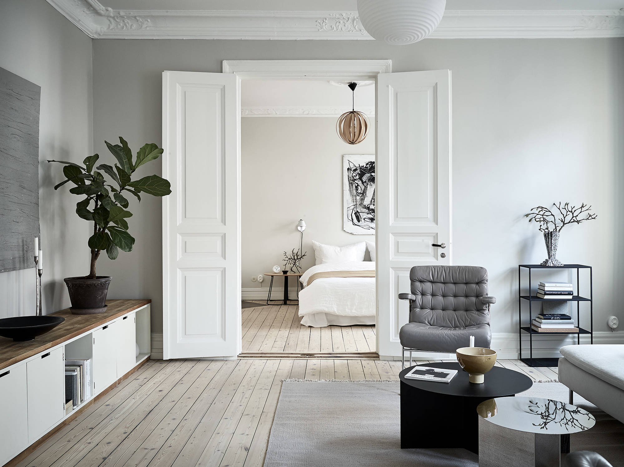 A cozy home with greige walls - COCO LAPINE DESIGNCOCO LAPINE DESIGN