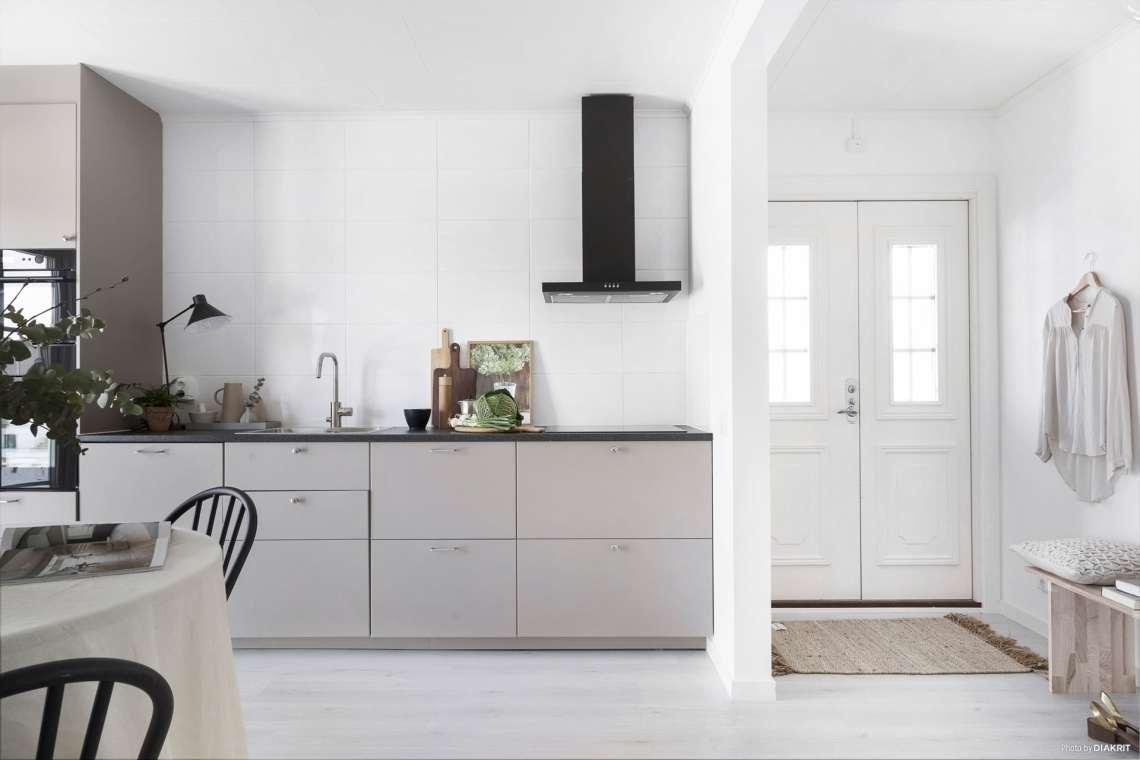 Home in tints of beige - via Coco Lapine Design blog