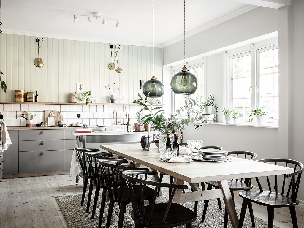 Cozy kitchen with a touch of green