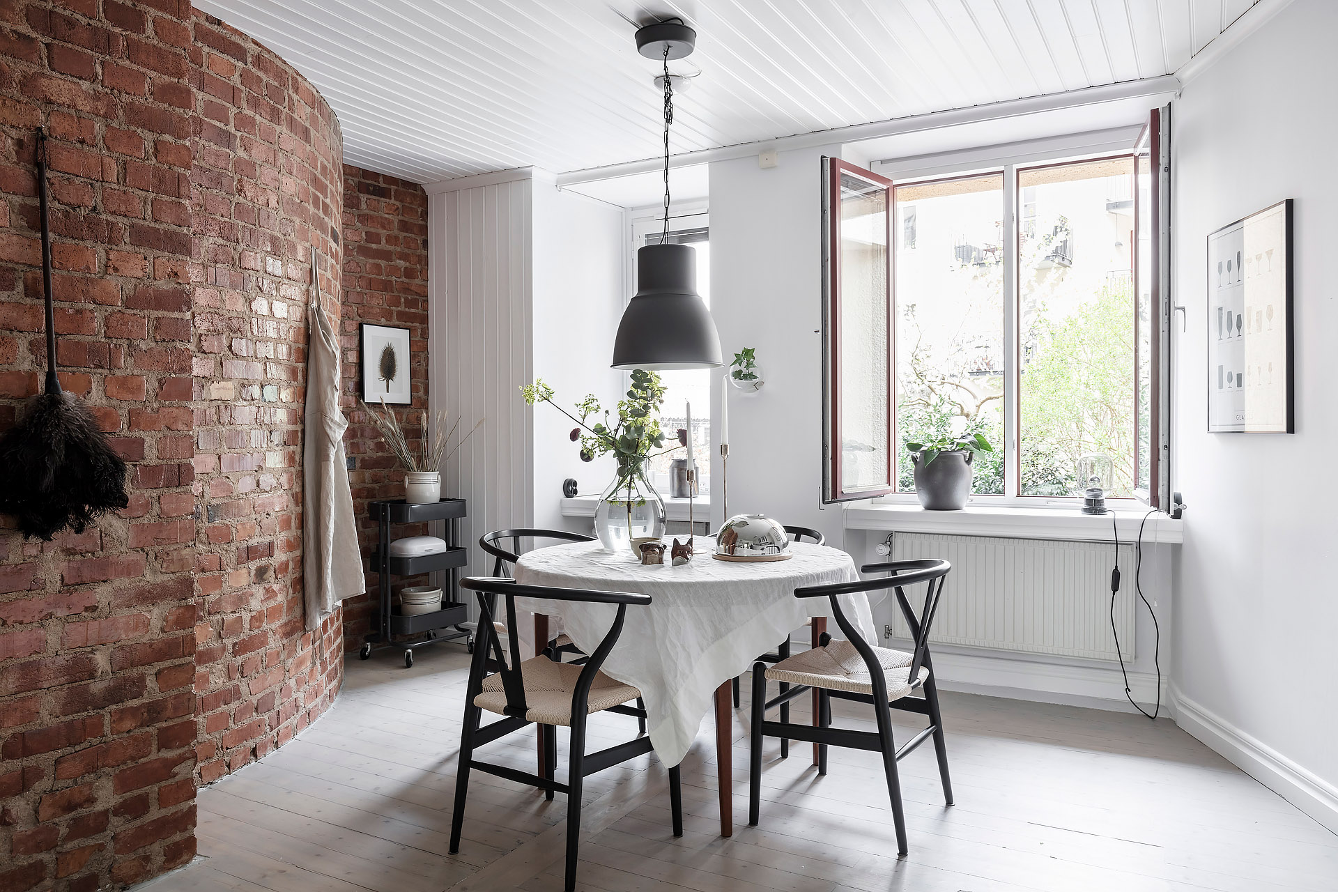 Brick Wall Design Light Flooded Kitchen With A Brick Wall Coco Lapine