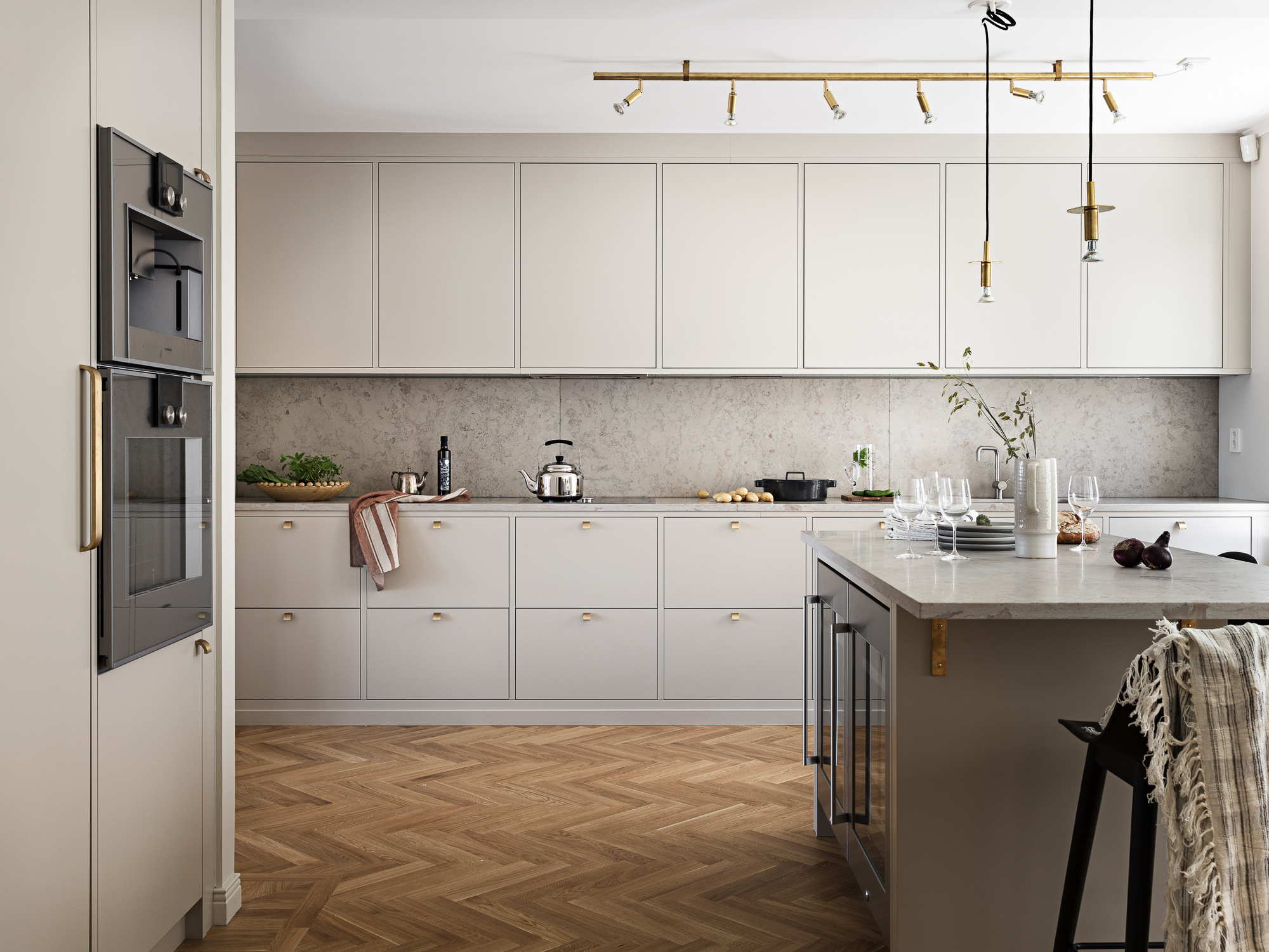 High End Kitchen Design Images High End Kitchen In Beige Coco Lapine Designcoco Lapine