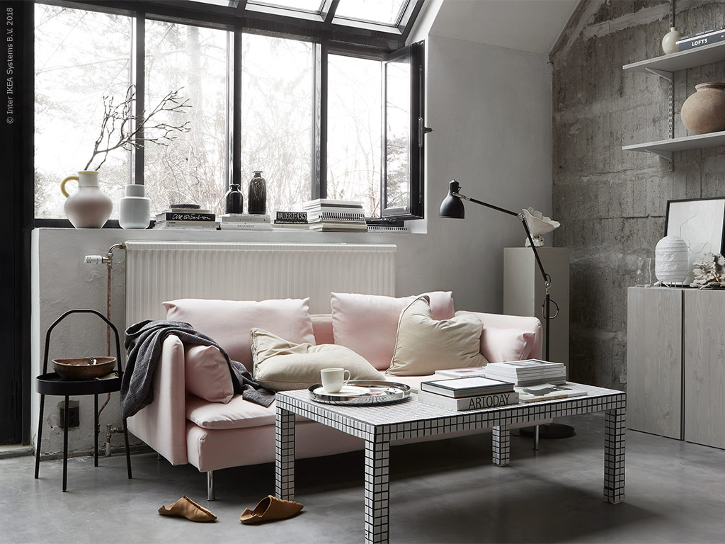 Living room with pink and concrete