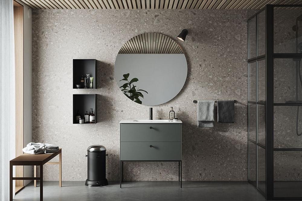 Bathroom in green-grey