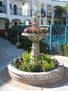 Courtyard at the Oxford Suites in Pismo