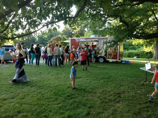Cold Stone Creamery Ice Cream Trailer is Popular for Outdoor Events!