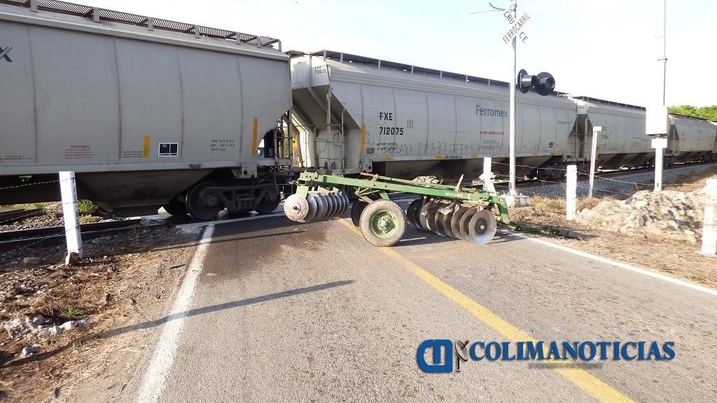 Trágica muerte de un tractorista al ser impactado por el tren, en el crucero de Cuyutlán