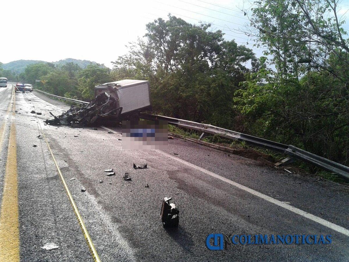 Un muerto deja accidente en el libramiento de Manzanillo