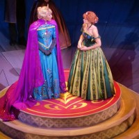 "Is Disney California Adventure's ""Frozen - Live at the Hyperion"" Worth the Time?"