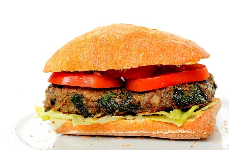 Recept: Vegan burger met champignon en spinazie
