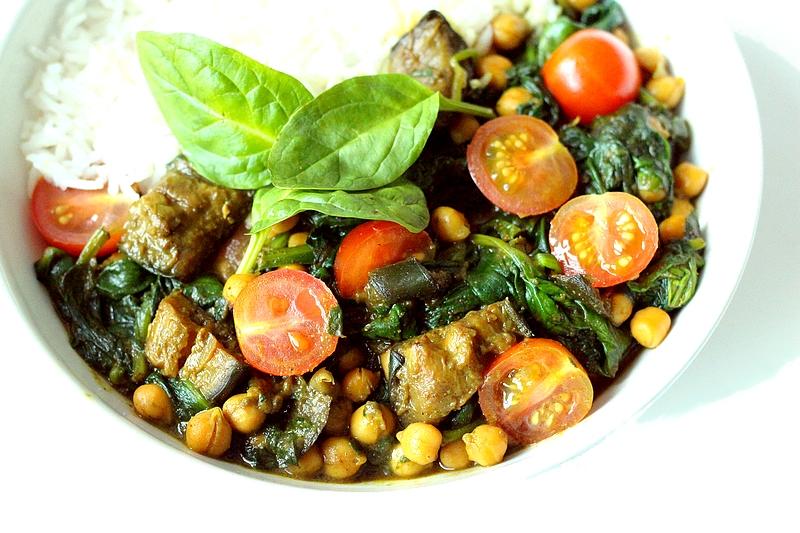 Recept: Auberginecurry met spinazie en kikkererwten