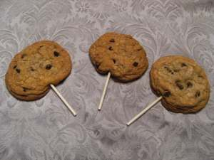 monster chocolate chip cookies | comfortablydomestic.com