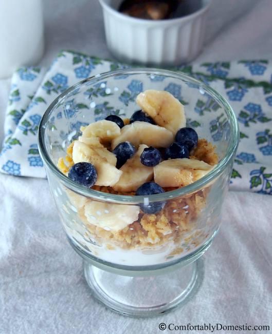 Baked Oatmeal with Fresh Fruit | ComfortablyDomestic.com