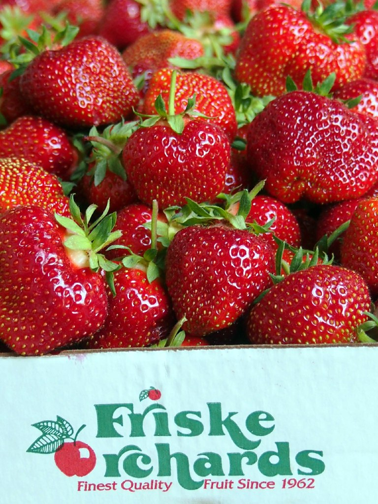 Freshly-Picked-Strawberries-from-Friske-Orchards