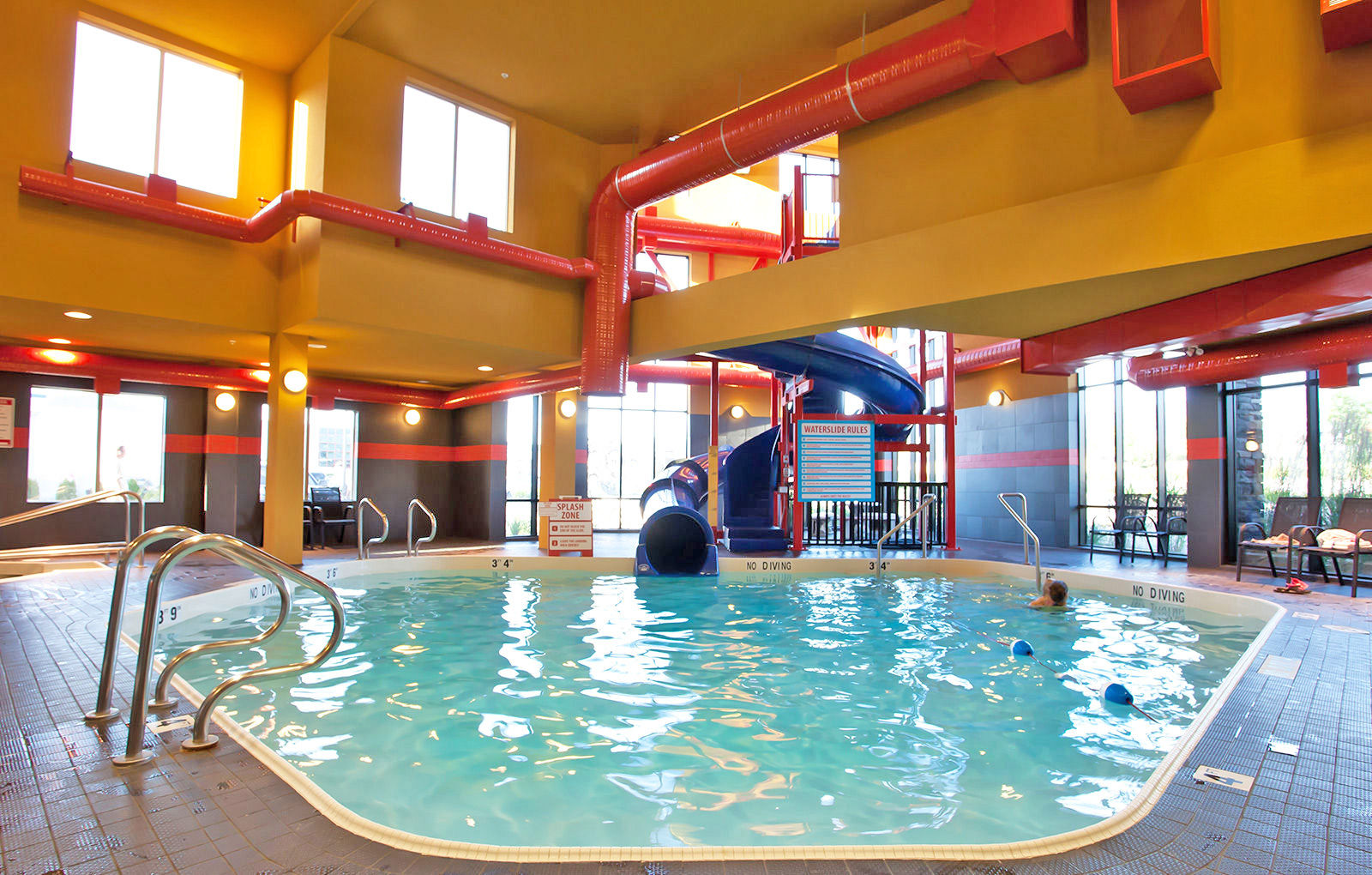 Jacuzzi Pool And Spa Kelowna How To Keep The Young Ones Entertained Comfort Suites