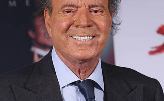 Compare Julio Iglesias Sr Height Weight Eyes Hair Color With Other Celebs