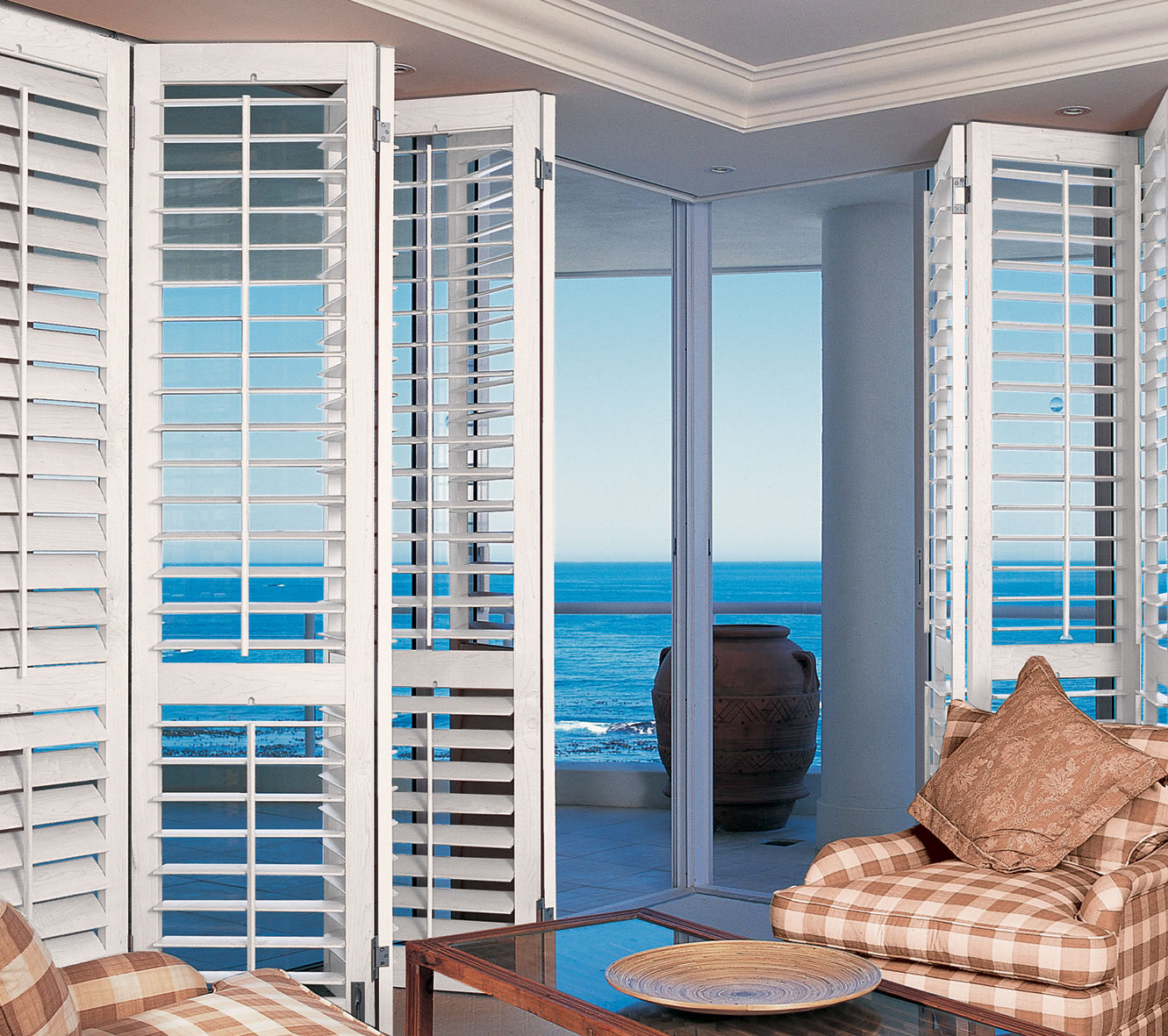 Plantation Furniture Australia Choosing Plantation Shutters Colours Complete Blinds