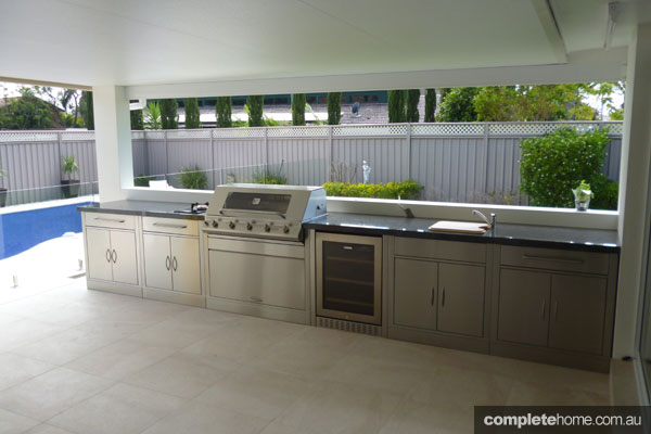 Outdoor Kitchen Cabinets Australia Three Top Barbeques & Outdoor Kitchens For This Summer