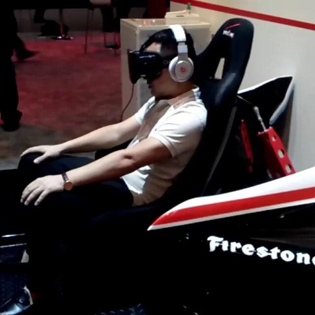 Conducir en carrera Nascar. Realidad virtual.