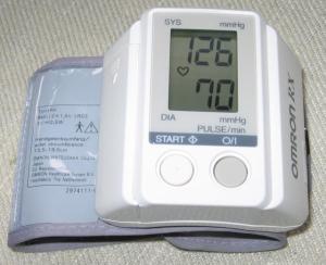 Tensiómetro digital Omron, en este caso es un tensiometro de muñeca