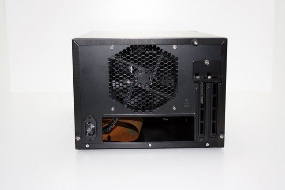 Antec ISK600 15 580x386 Antec ISK600 Review