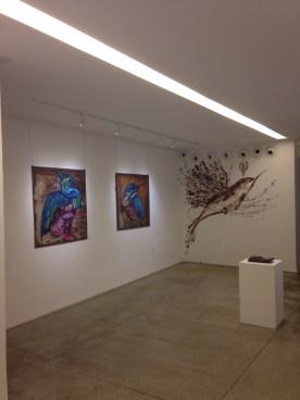 No dia da abertura da exposição, a AMMA Chocolate estava presente na galeria e Eder fez uma pintura ao vivo com chocolate na parede.
