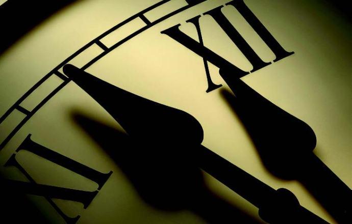ClockMidnightHeisnearCom