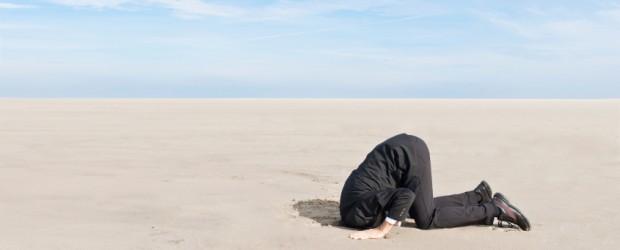 hiding-head-in-sand-620x250