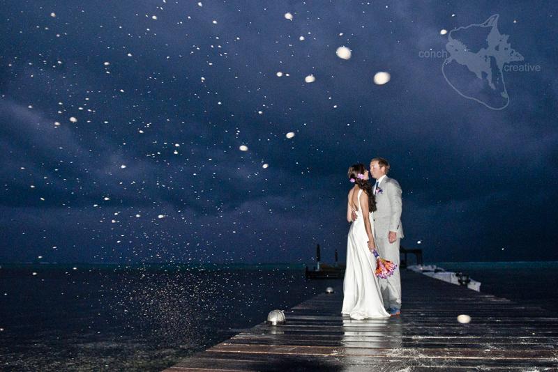 Cute Couple Kisses Wallpaper Wedding In The Rain Belize Wedding Photography Blog