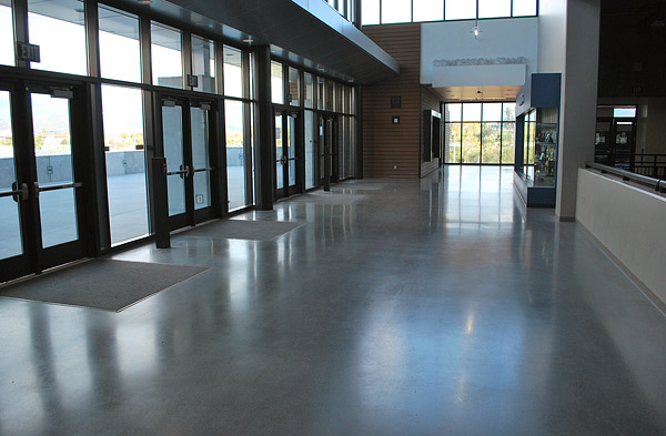 Estrich Garage Creative Color Solutions At An Epic Concrete Polishing Job