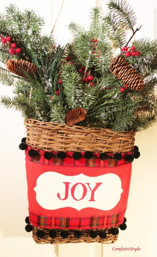 5 Christmas Door Basket with Royal Design Studio Stencils