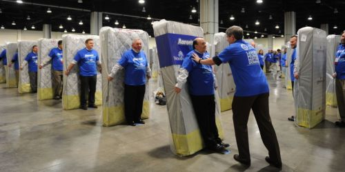 gallery-1468245136-landscape-1460406802-mattress-worldrecord