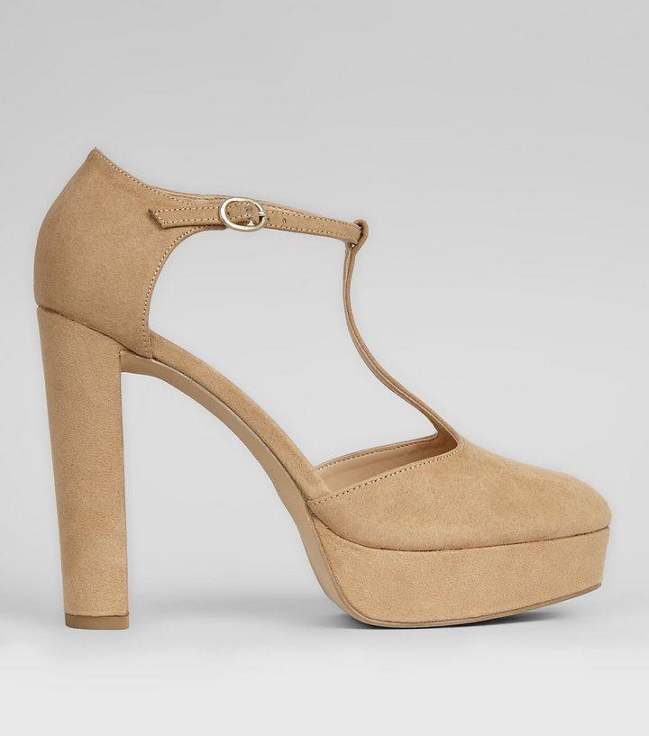 chaussures-salomé-couleur-vison-à-talons-plates-formes-en-suédine