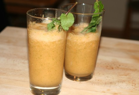 Frozen Cantaloupe Mint Mojitos