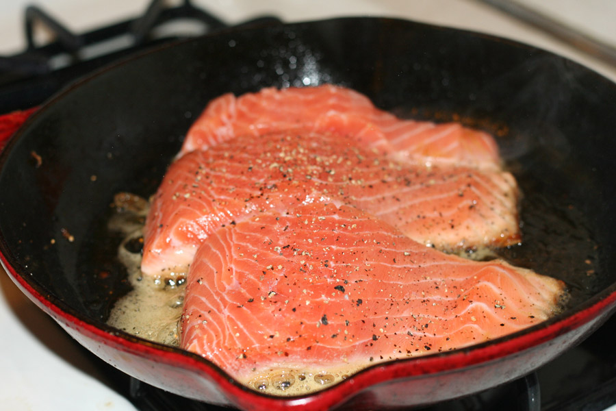 how to cook tender pan fried salmon