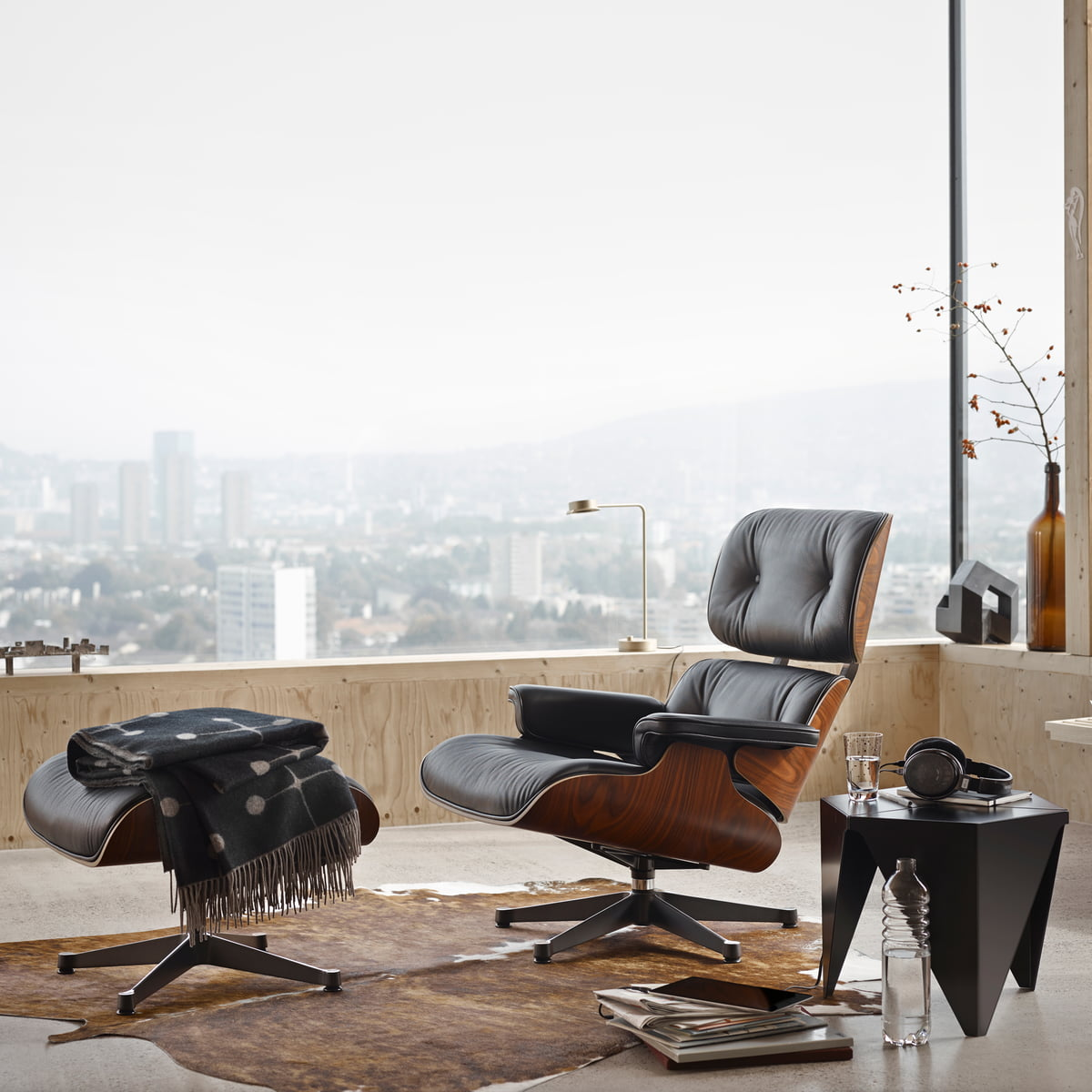 Vitra Lounge Chair Now Available In The Shop - Vitra Lounge Chair Mahagoni