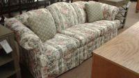 BROYHILL FLORAL SOFA | Delmarva Furniture Consignment