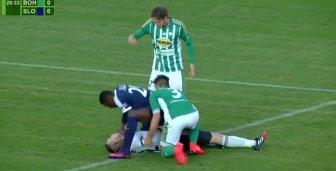 Football : Un attaquant sauve la vie du gardien de l'équipe adverse !