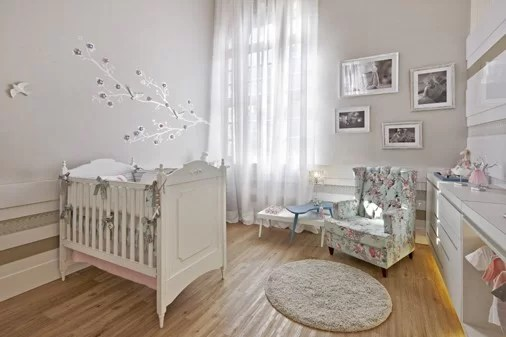 poltrona estampada quarto de bebe