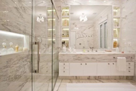 marmore calacatta branco no banheiro