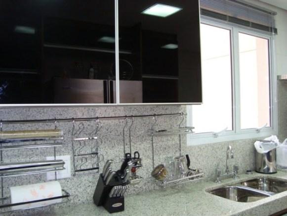 pia de cozinha com granito branco polar