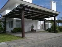 Casa com Garagem Aberta - Varanda e Porto   Construdeia