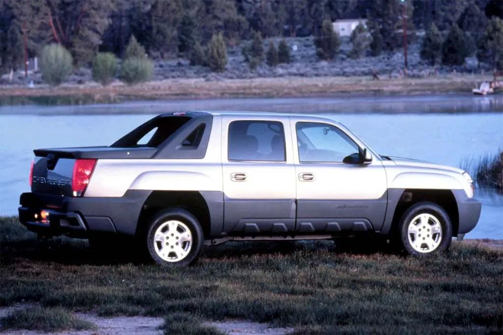 2002-06 Chevrolet Avalanche Consumer Guide Auto
