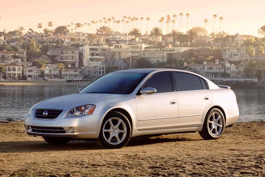2002-06 Nissan Altima Consumer Guide Auto