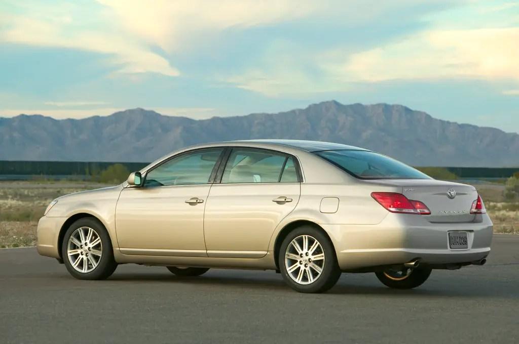 2005-10 Toyota Avalon Consumer Guide Auto